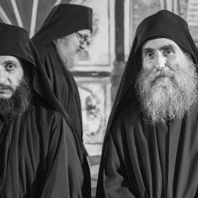 Sfântul Efrem Katunakiotul: Toți avem o cruce de purtat