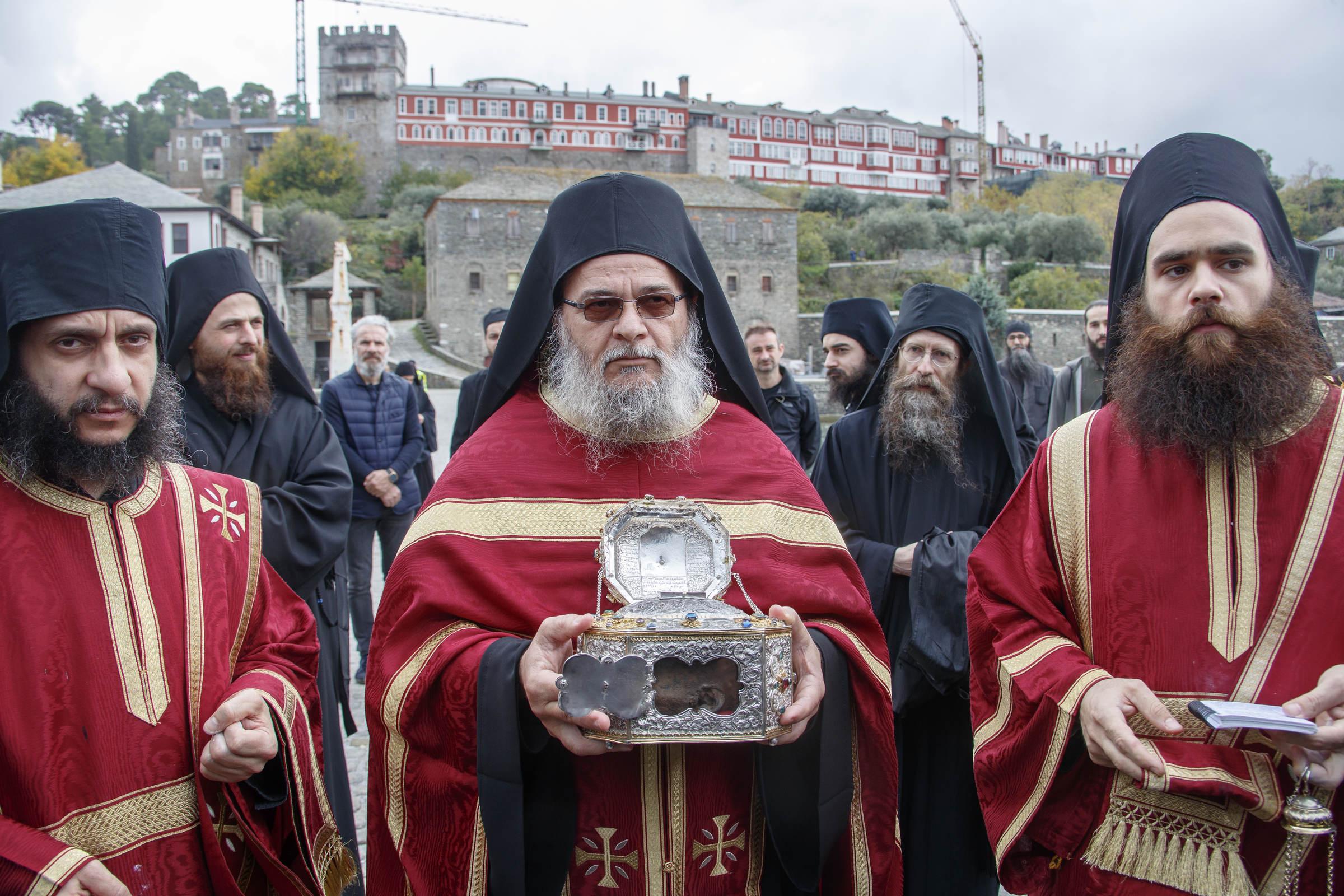 De ce capul Sfântului Ioan Hrisostom are o ureche neputrezită după mai bine de 1600 de ani?
