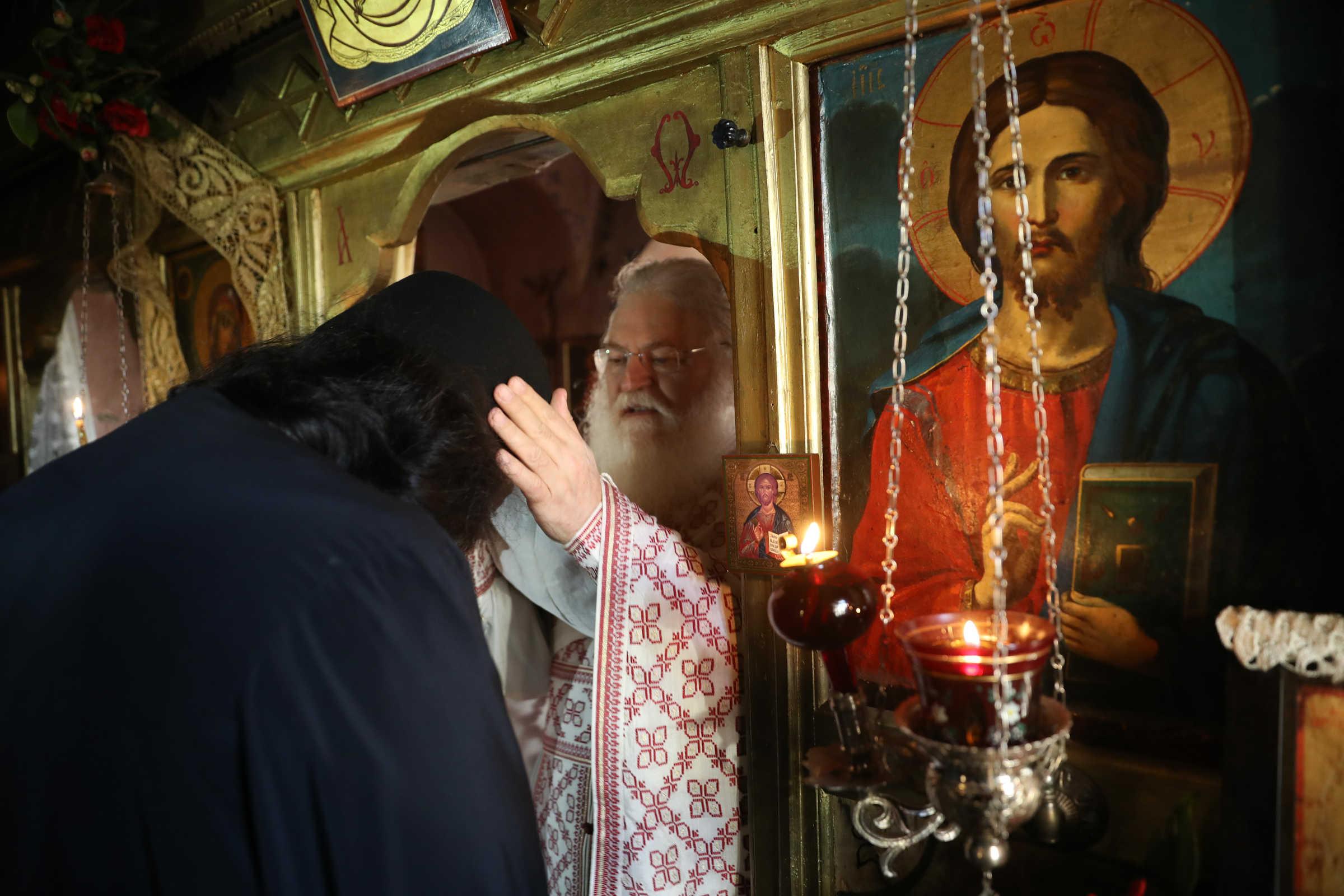 Cum un monah începe, trăiește și reușește - (c) Vatopedi monastery, Mount Athos