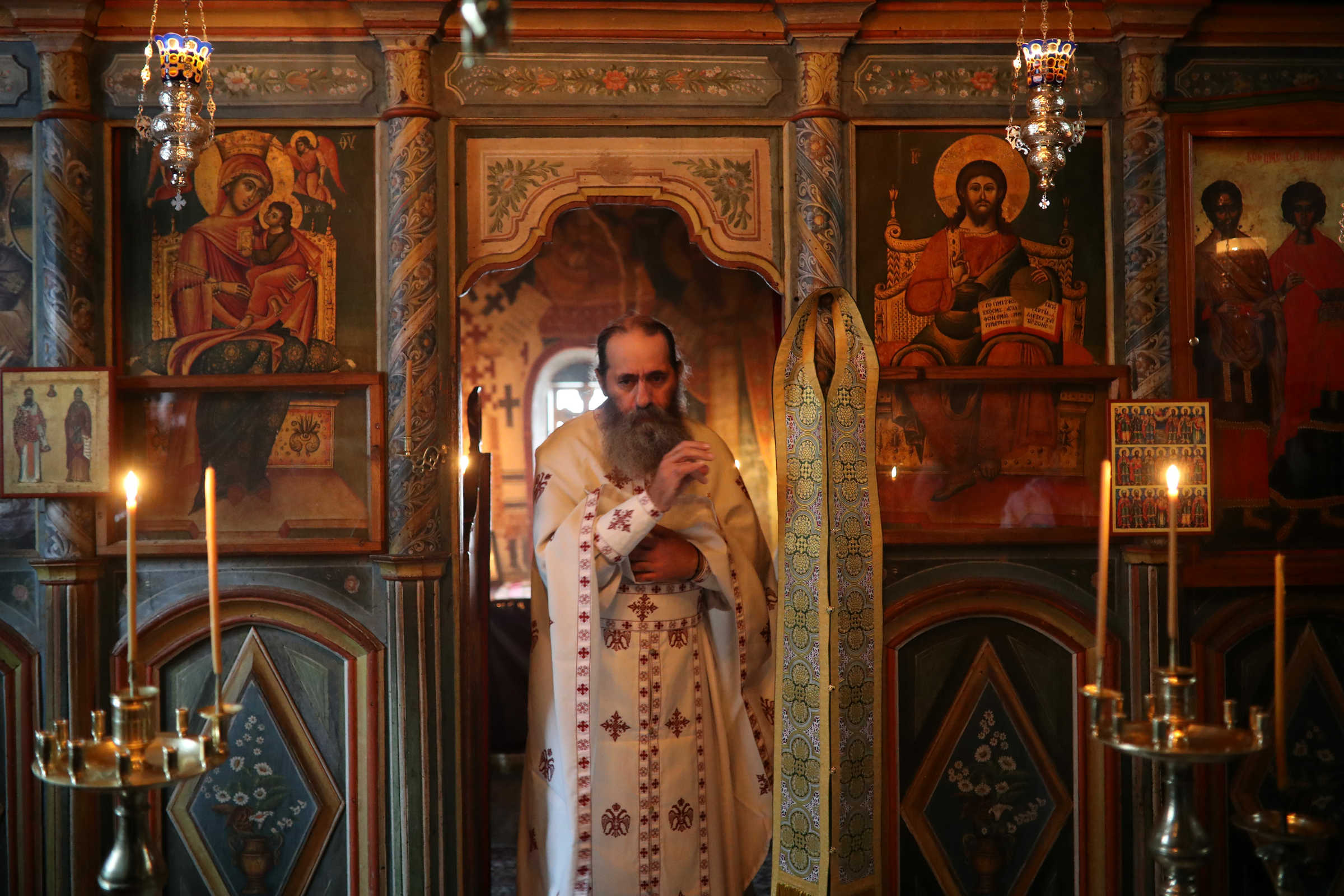 Sfânta Împărtășanie nu îmbolnăvește pe om - fotoreportaj din Paraclisul Sfinților Doctori fără de Arginți