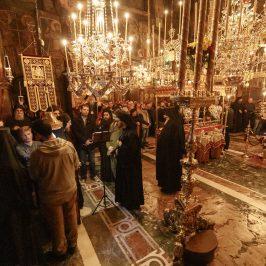 Darul Sfiiciunii - fotoreportaj de la Buna Vestire (Vinerea Mare) (Audio) - partea 1: Privegherea