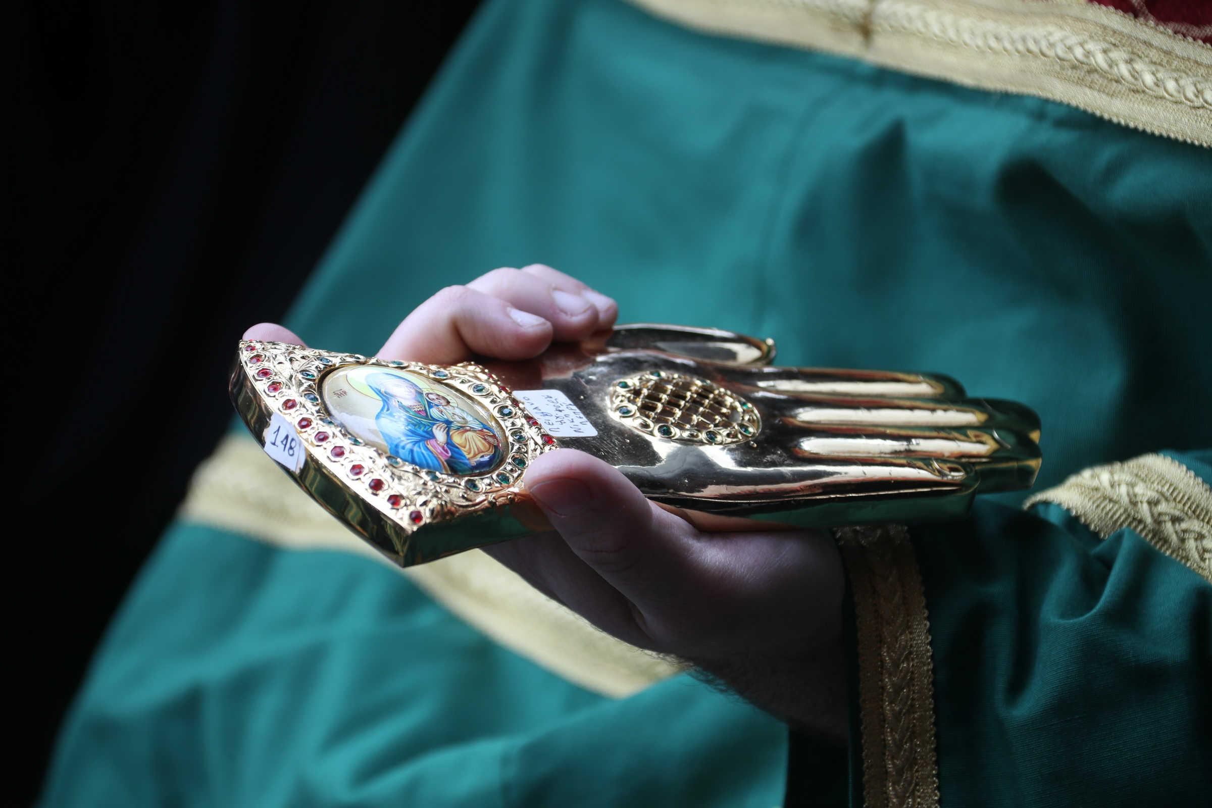 Cine sunt sfinții protectori? (Sf. Haralambie, Sf. Nichifor Leprosul, Sf. Corona)